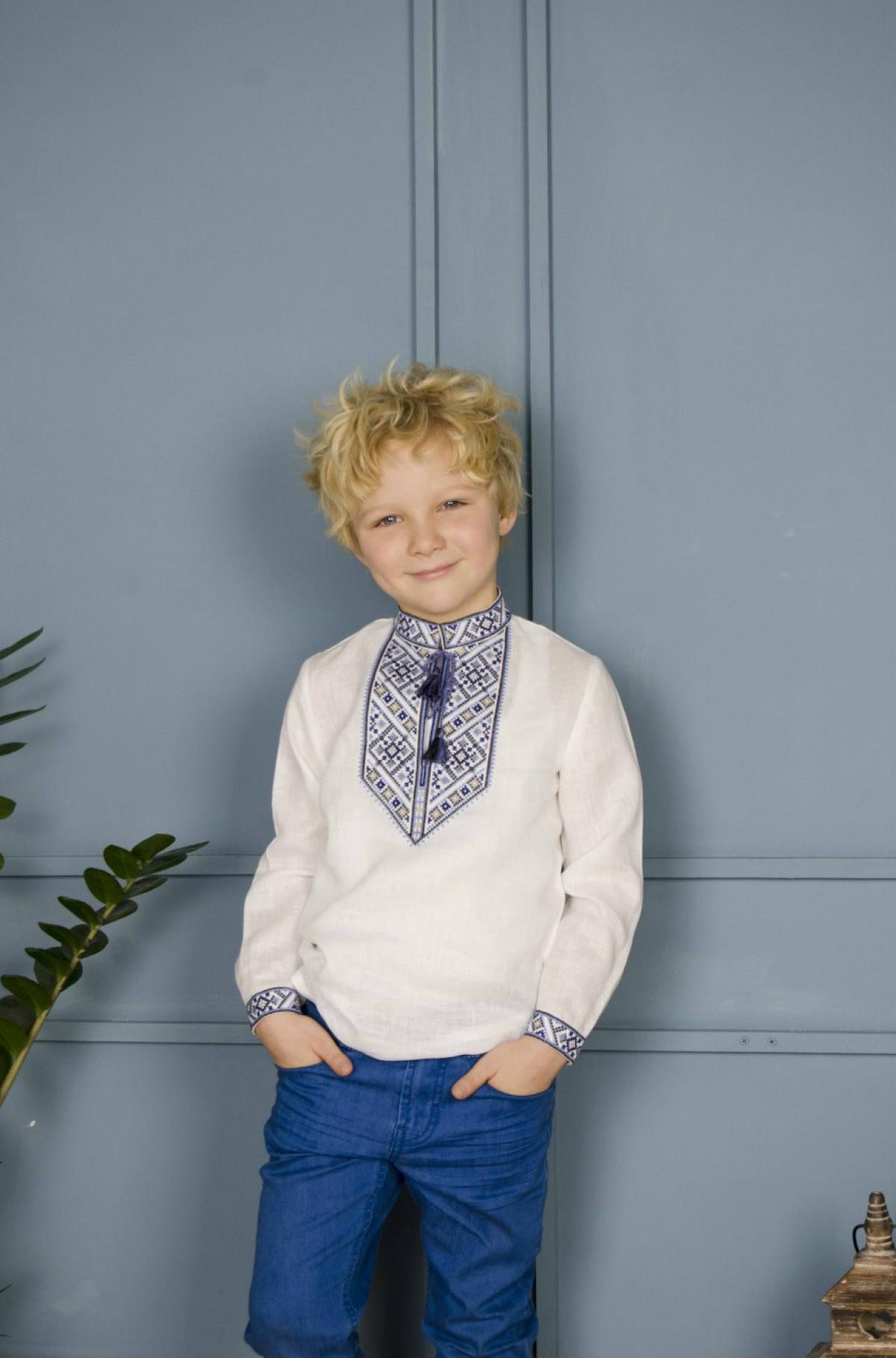White embroidery for a boy with a blue-gray pattern. Photo №1. | Narodnyi dim Ukraine