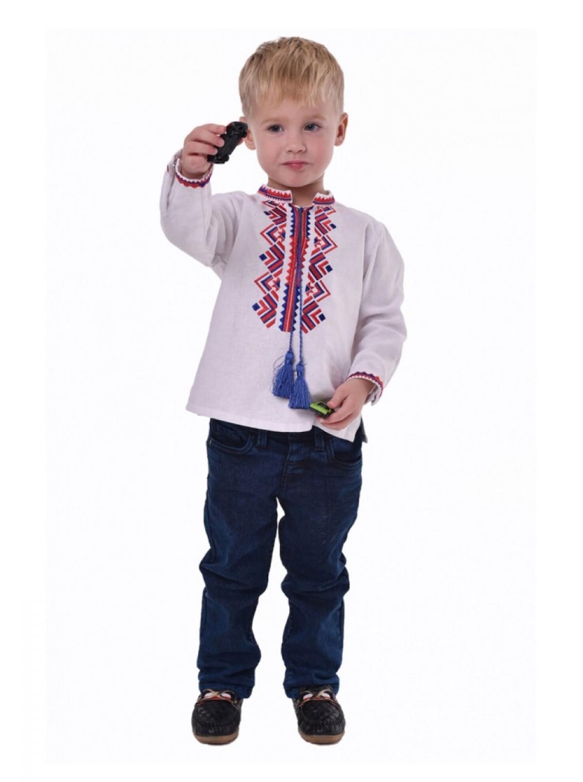 Вышиванка для мальчика с сине-красным узором. Фото №3. | Народный дом Украина