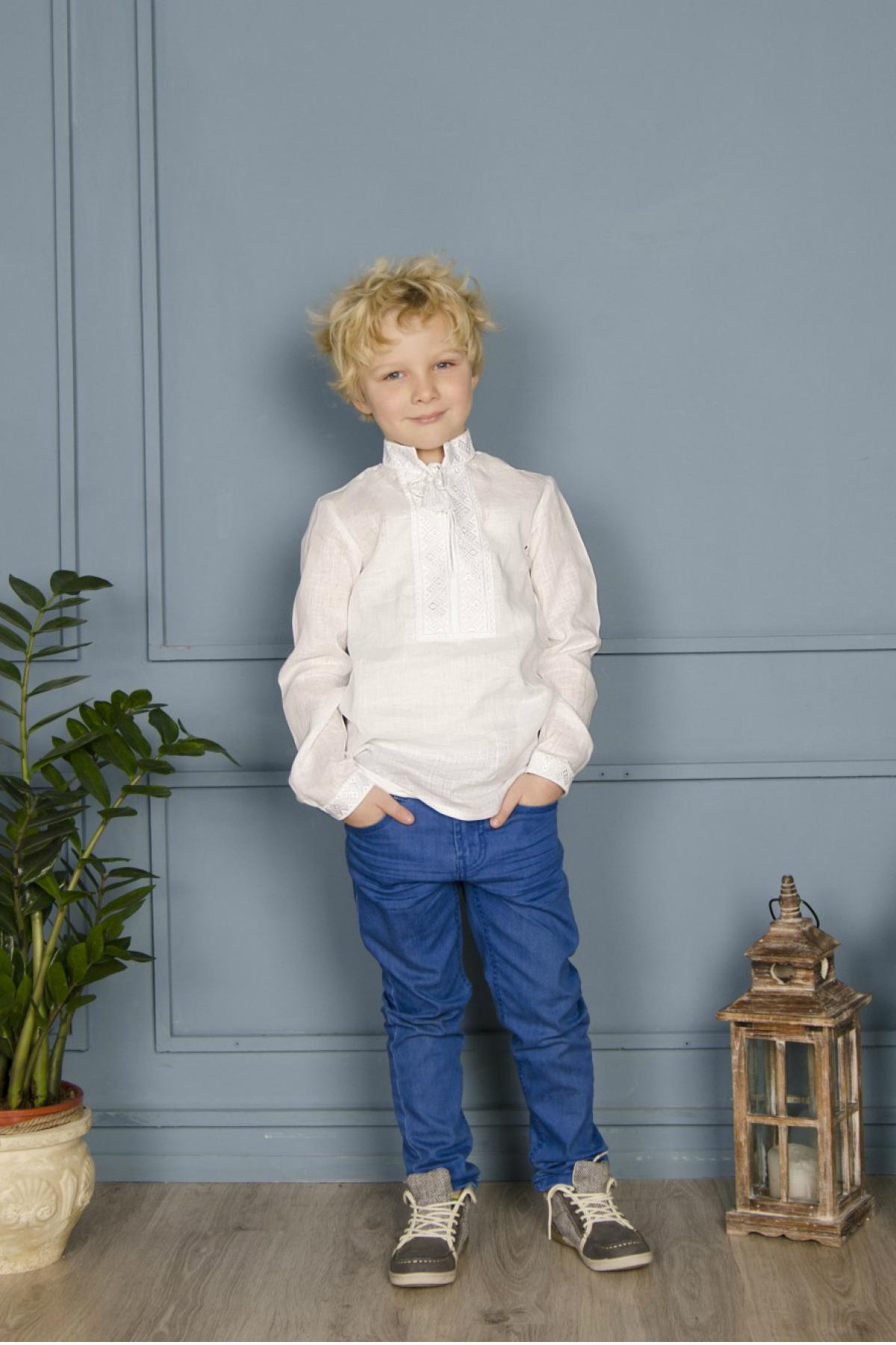 White embroidered shirt for the boy with white embroidery