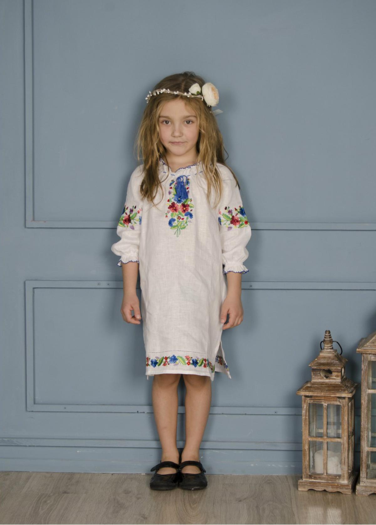 Вышитое белое платье для девочки, Фиалка. Фото №2. | Народный дом Украина