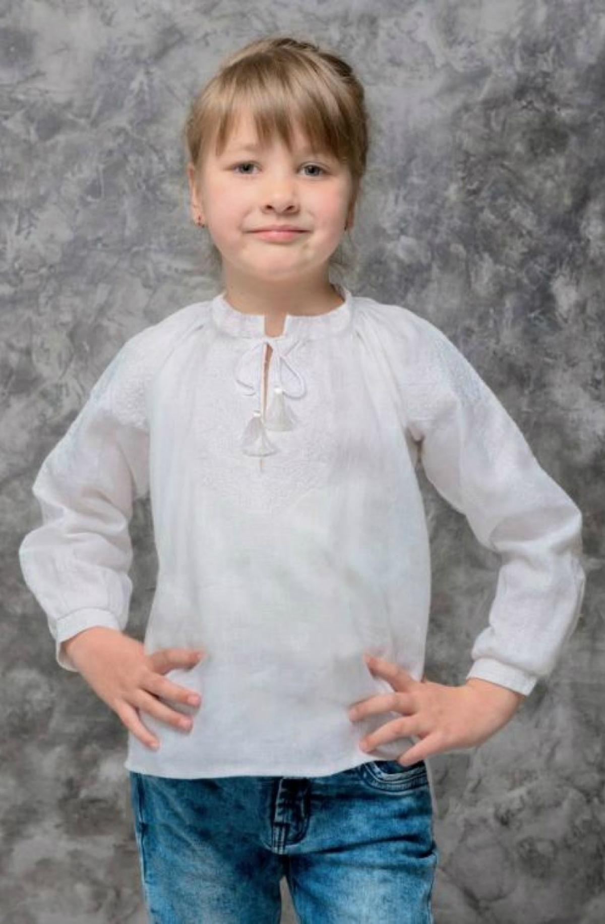 Вишиванка для дівчинки біла по білому. Фото №1. | Народний дім Україна