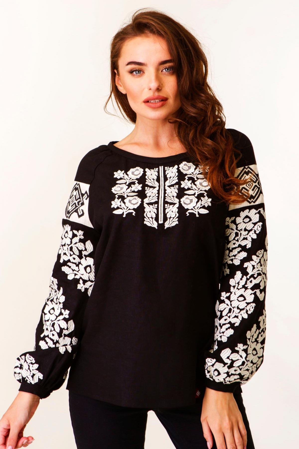 Черная льняная женская вышитая рубашка с молочной вышивкой. Фото №1. | Народный дом Украина