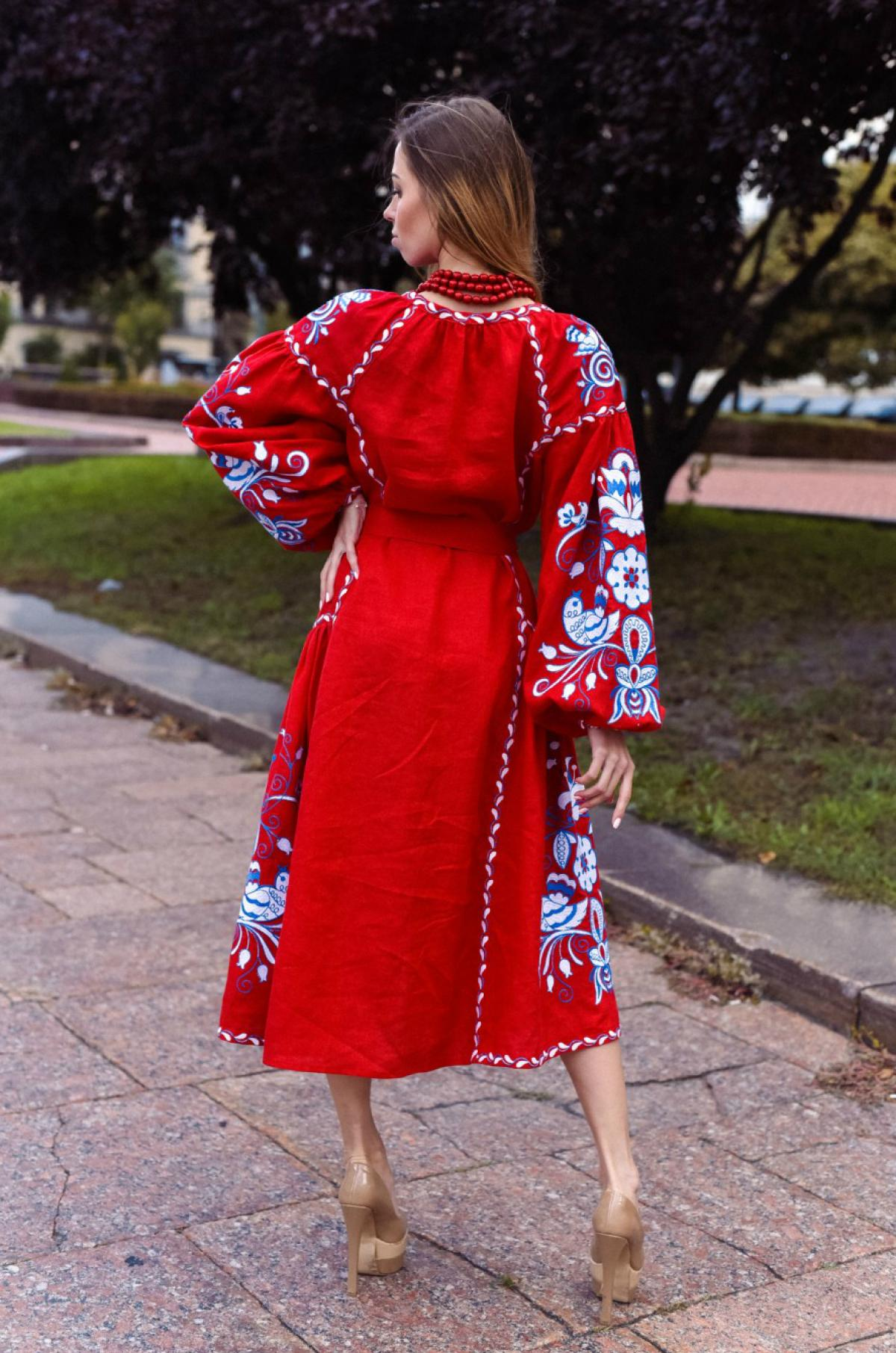 Красное вышитое платье бохо с клиньями. Фото №3. | Народный дом Украина