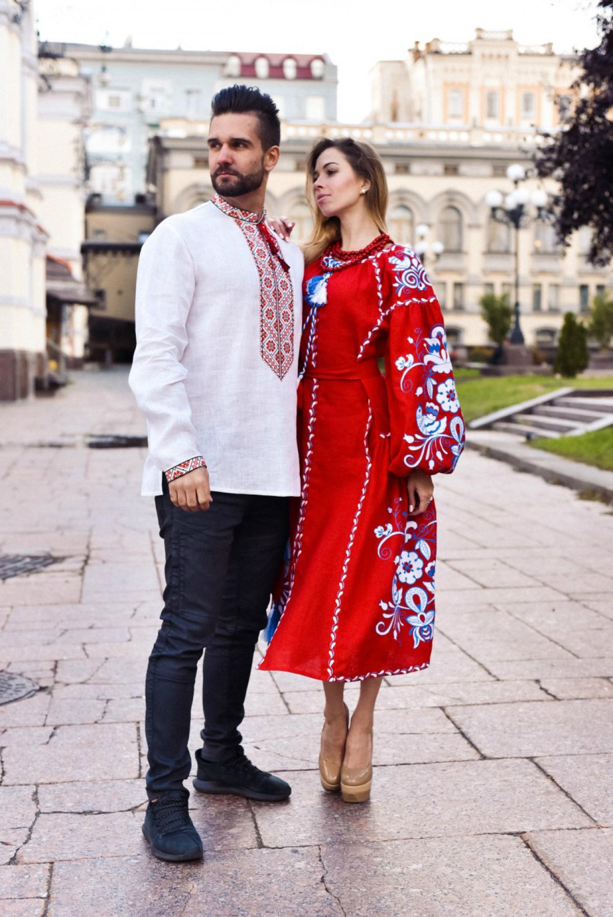 Красное вышитое платье бохо с клиньями. Фото №4. | Народный дом Украина