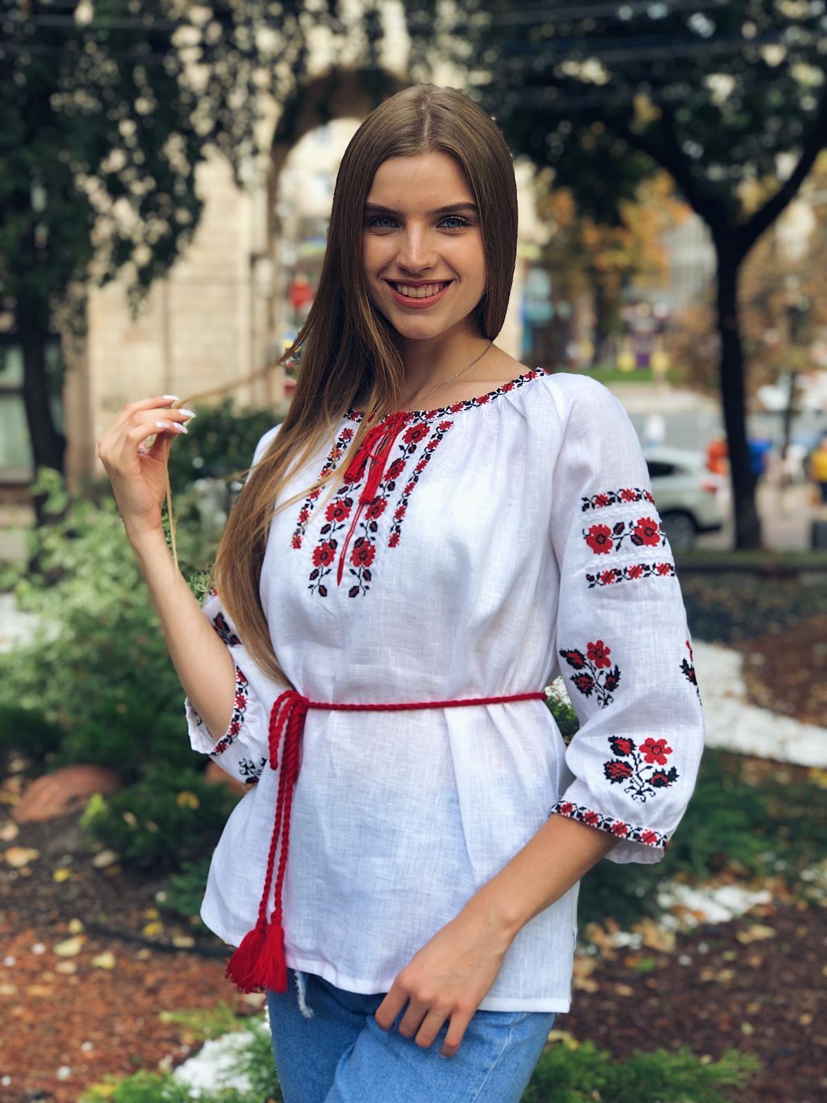 Белая льняная вышиванка с красными цветами. Фото №4. | Народный дом Украина