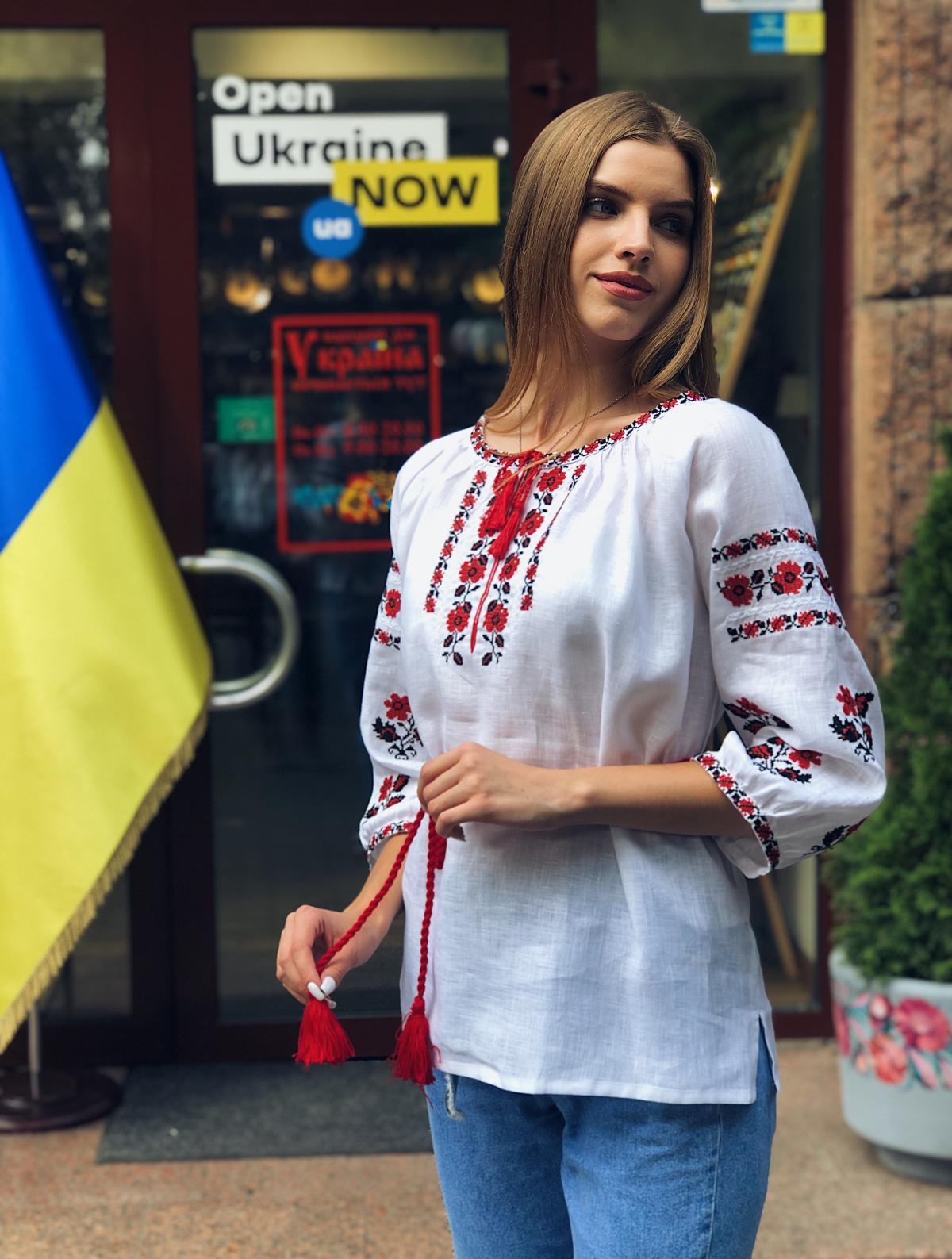 Белая льняная вышиванка с красными цветами. Фото №5. | Народный дом Украина