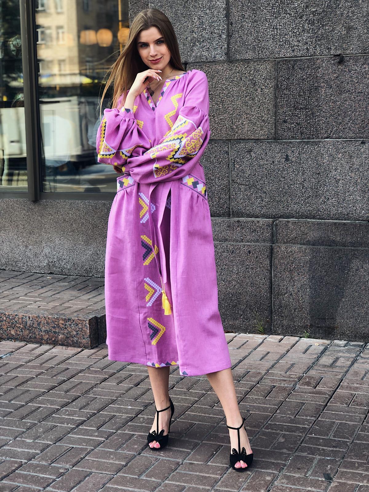 Изысканное длинное платье с красивой вышивкой, розовое. Фото №6. | Народный дом Украина