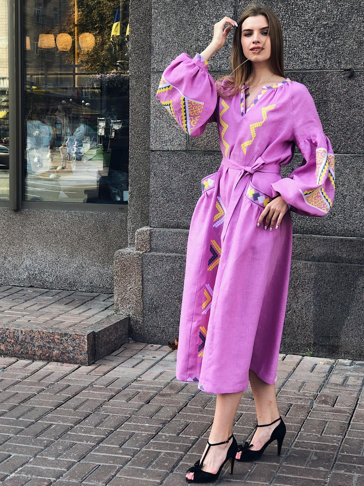 Изысканное длинное платье с красивой вышивкой, розовое. Фото №8. | Народный дом Украина