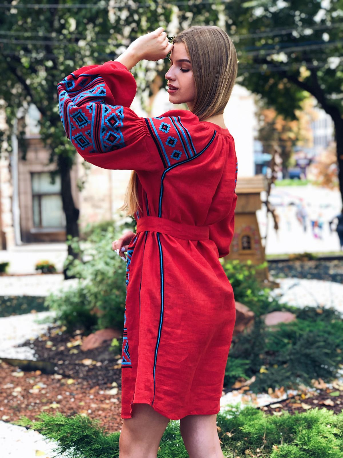 Rich red embroidered dress with blue embroidery. Photo №2. | Narodnyi dim Ukraine