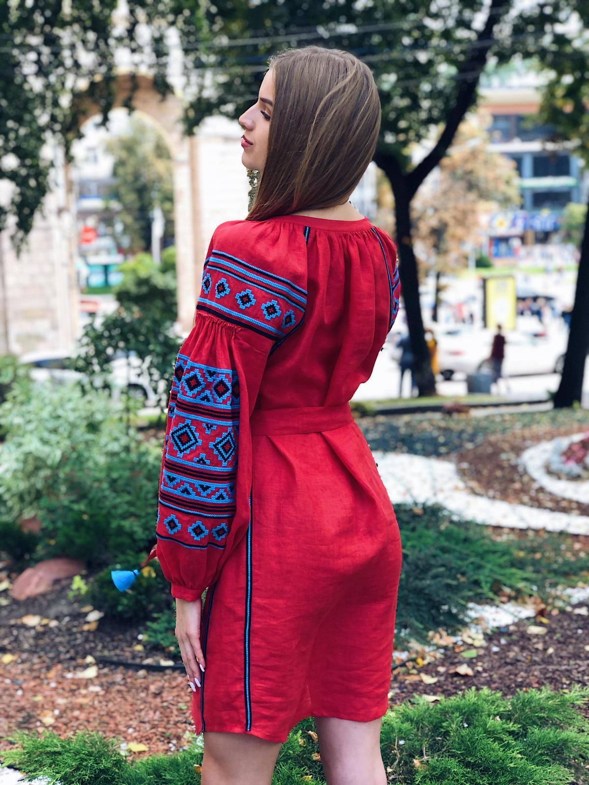 Rich red embroidered dress with blue embroidery. Photo №3. | Narodnyi dim Ukraine