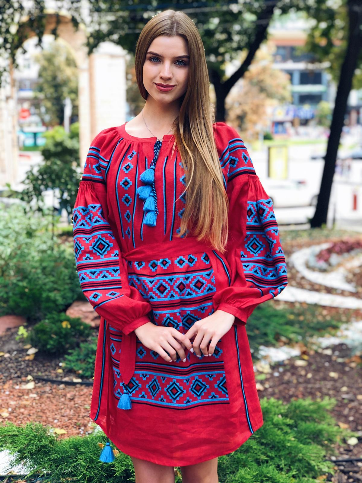 Rich red embroidered dress with blue embroidery. Photo №7. | Narodnyi dim Ukraine