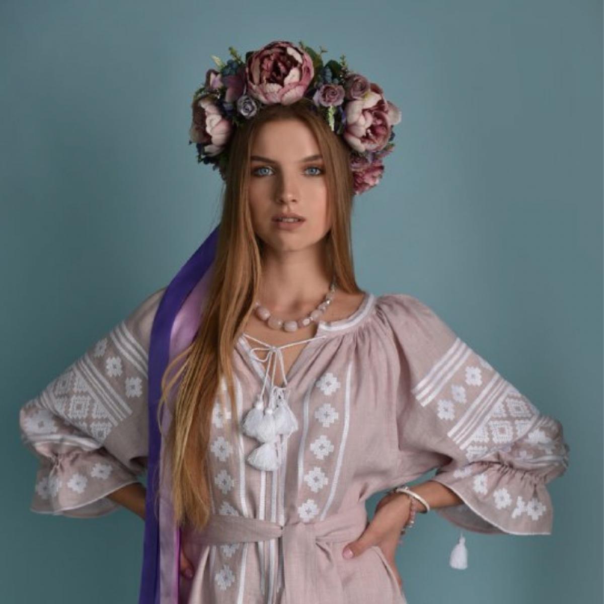Рожевий віночок з піонами ручної роботи. Фото №1. | Народний дім Україна