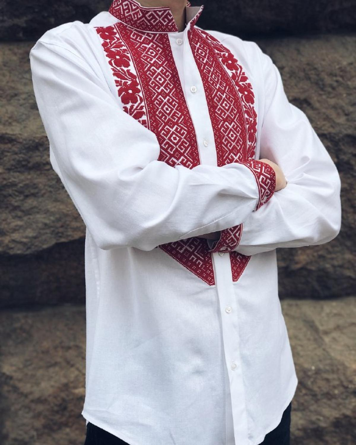 White male linen embroidered shirt with red embroidery. Photo №2. | Narodnyi dim Ukraine