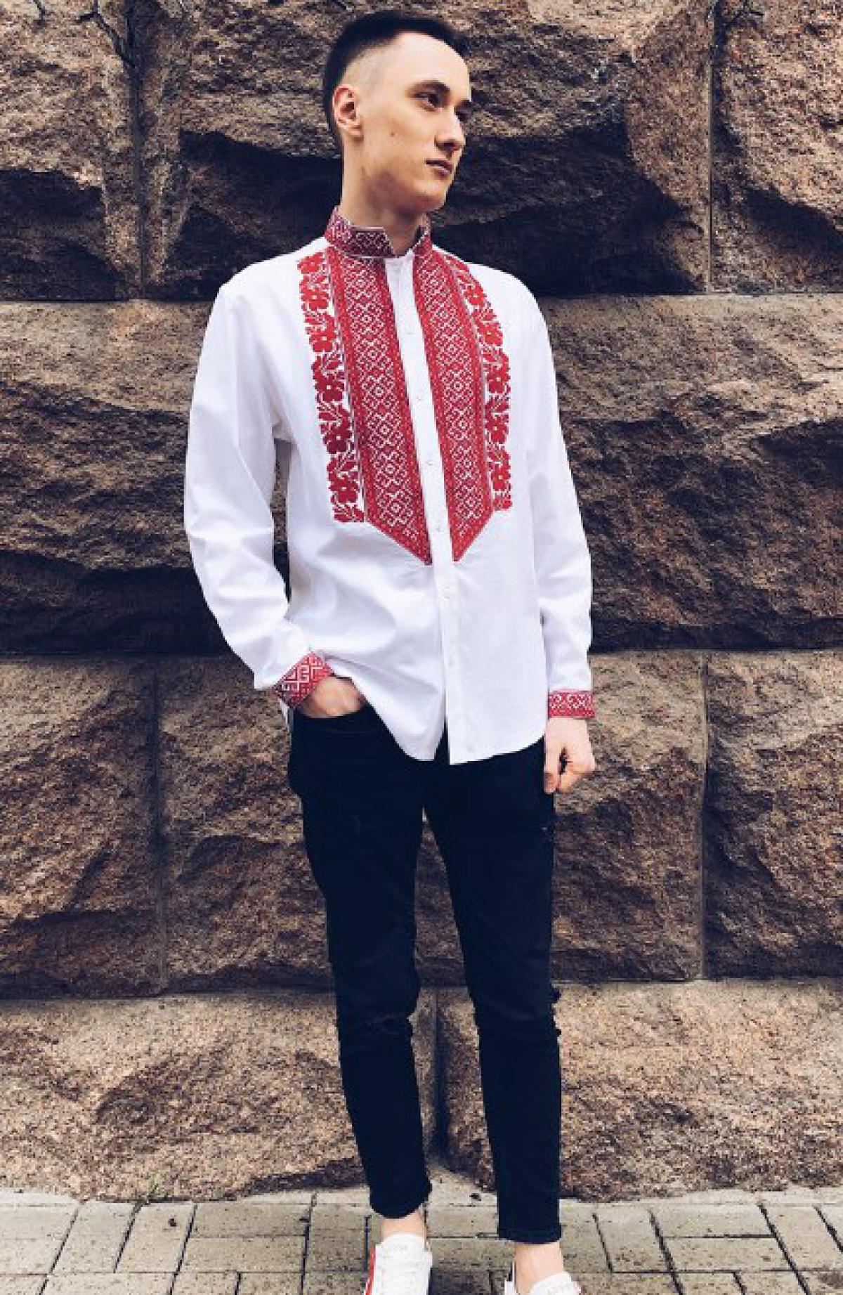 White male linen embroidered shirt with red embroidery. Photo №1. | Narodnyi dim Ukraine