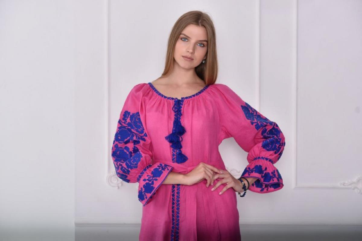 Bright pink dress with blue embroidery. Photo №2. | Narodnyi dim Ukraine