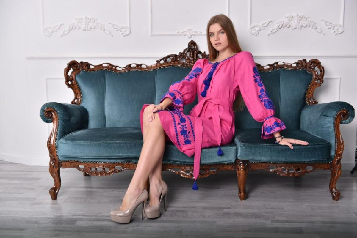 Bright pink dress with blue embroidery. Photo №3. | Narodnyi dim Ukraine