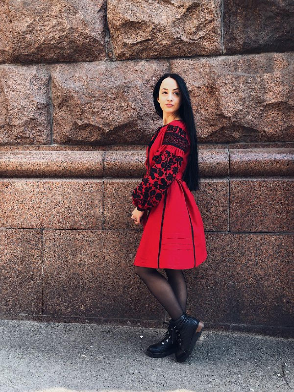 Designer dress with black embroidery on red linen. Photo №2. | Narodnyi dim Ukraine