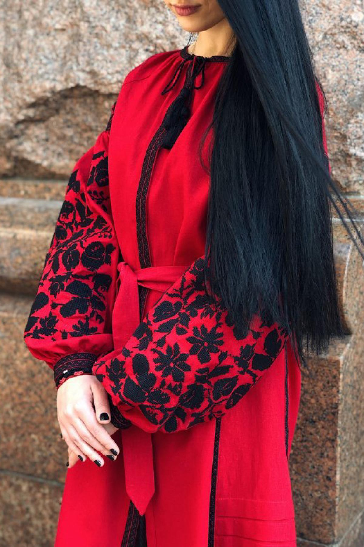 Designer dress with black embroidery on red linen. Photo №1. | Narodnyi dim Ukraine