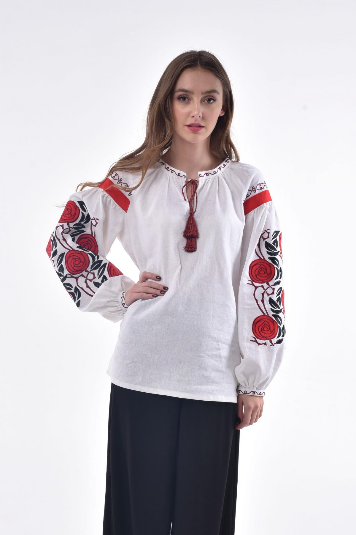 White female embroidery with wild roses. Photo №3. | Narodnyi dim Ukraine