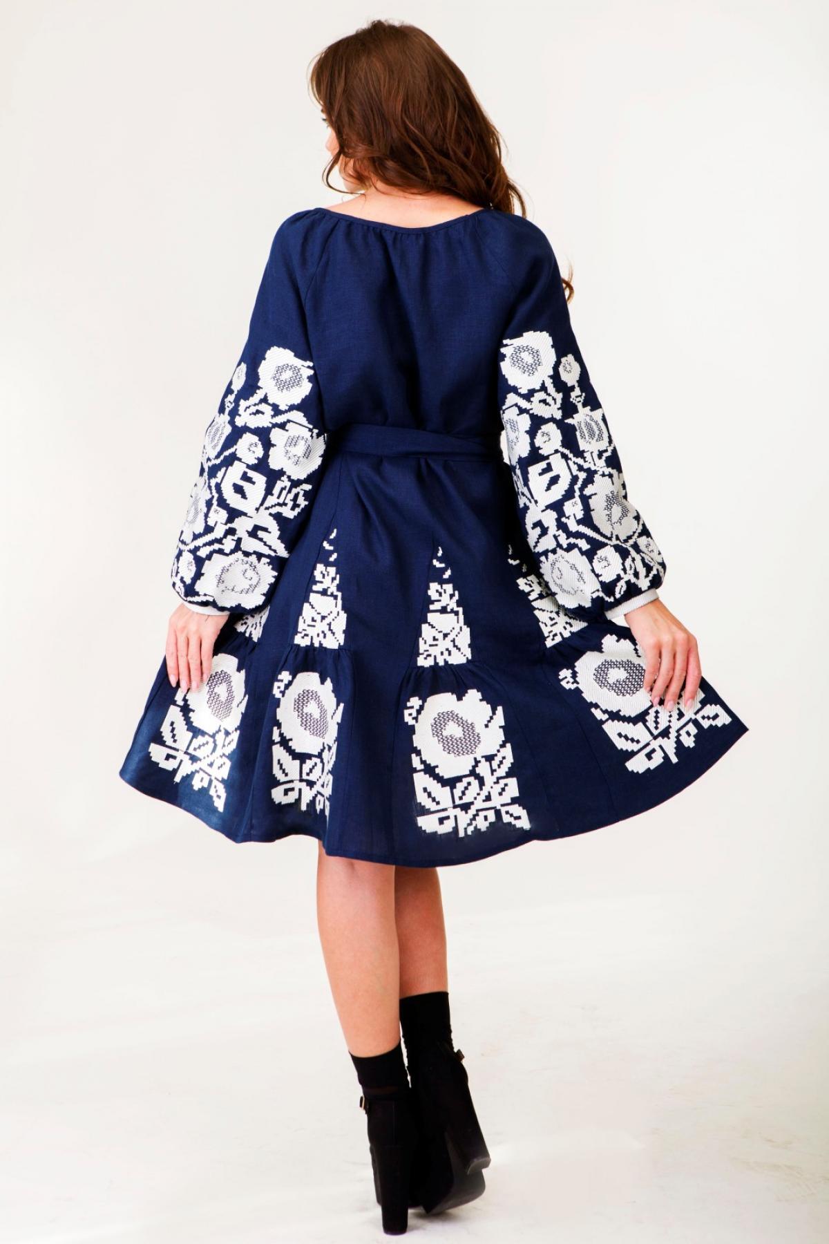 Dark blue linen dress with white embroidered floral pattern. Photo №4. | Narodnyi dim Ukraine