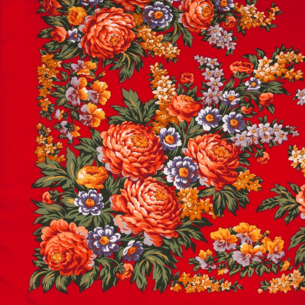 Красный платок с цветами. Фото №2. | Народный дом Украина
