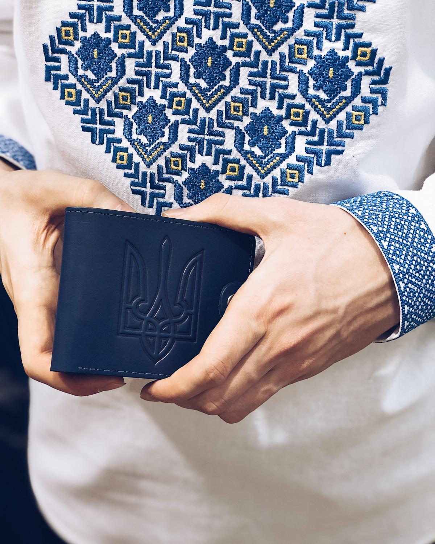 Men's embroidery Borshchivskaya, blue embroidery. Photo №3.   Narodnyi dim Ukraine