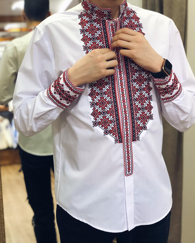 Белая мужская вышиванка с красной вышивкой. Фото №2. | Народный дом Украина