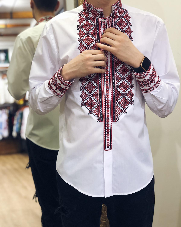 Белая мужская вышиванка с красной вышивкой. Фото №1. | Народный дом Украина