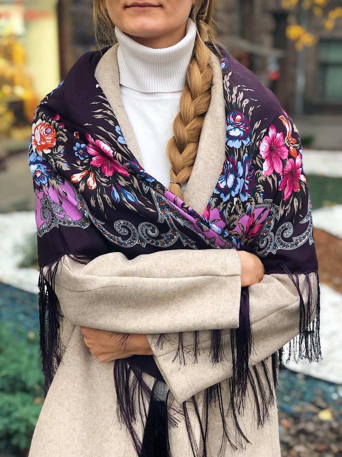 Бордова хустка з квітковим візерунком. Фото №2. | Народний дім Україна