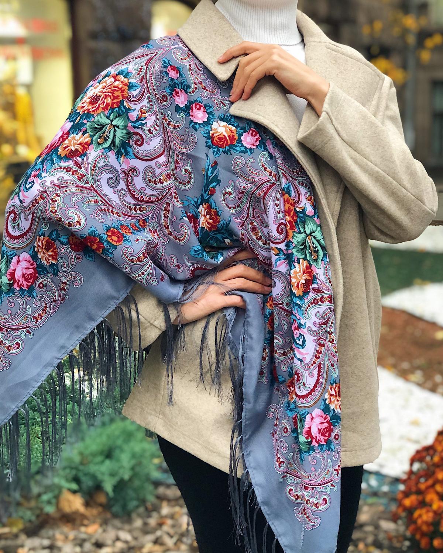 Gray ukrainian wool shawl. Photo №2. | Narodnyi dim Ukraine