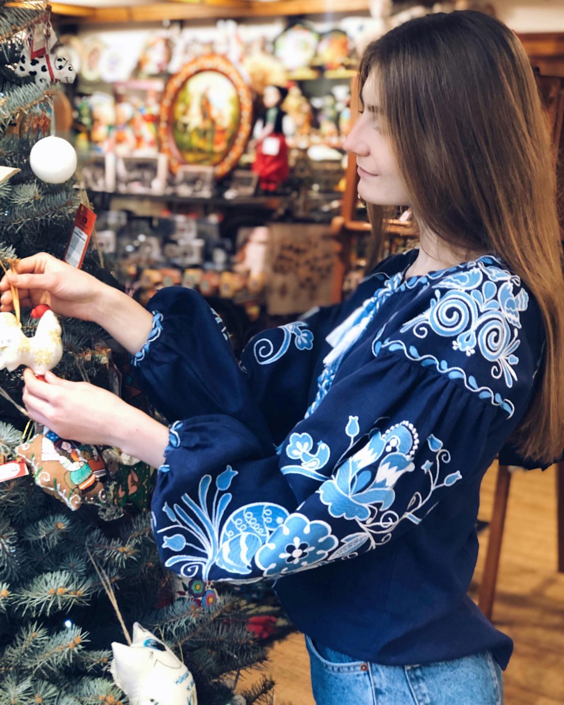 Вишиванка Птахи, синій льон. Фото №2. | Народний дім Україна