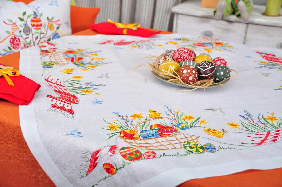 Tablecloth on the table 90 * 90