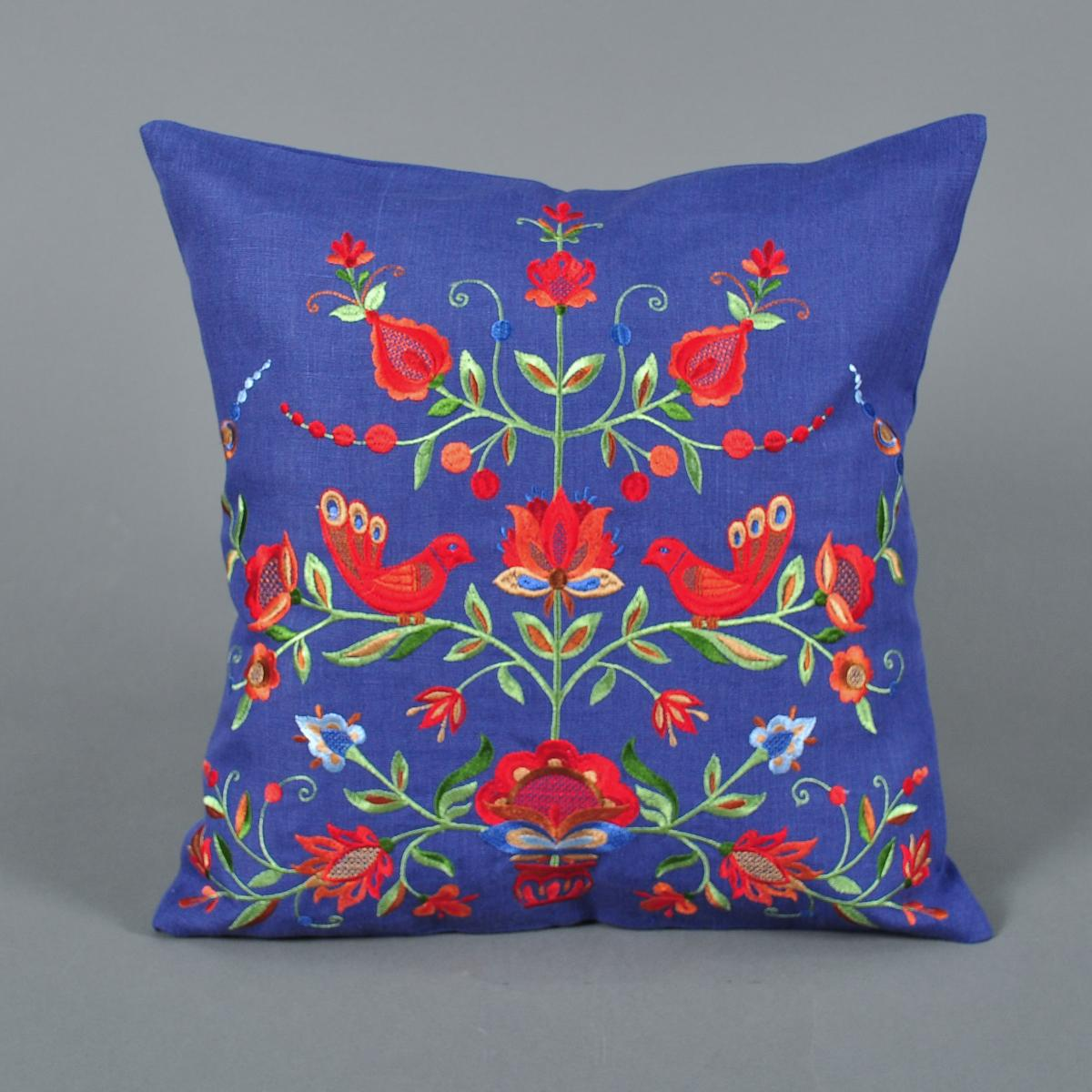 Pillowcase with embroidery