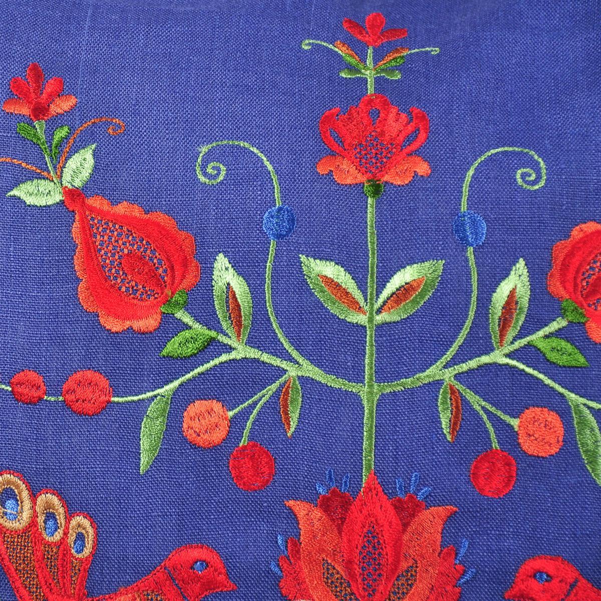 Наволочка з вишивкою синяя. Фото №2.   Народный дом Украина