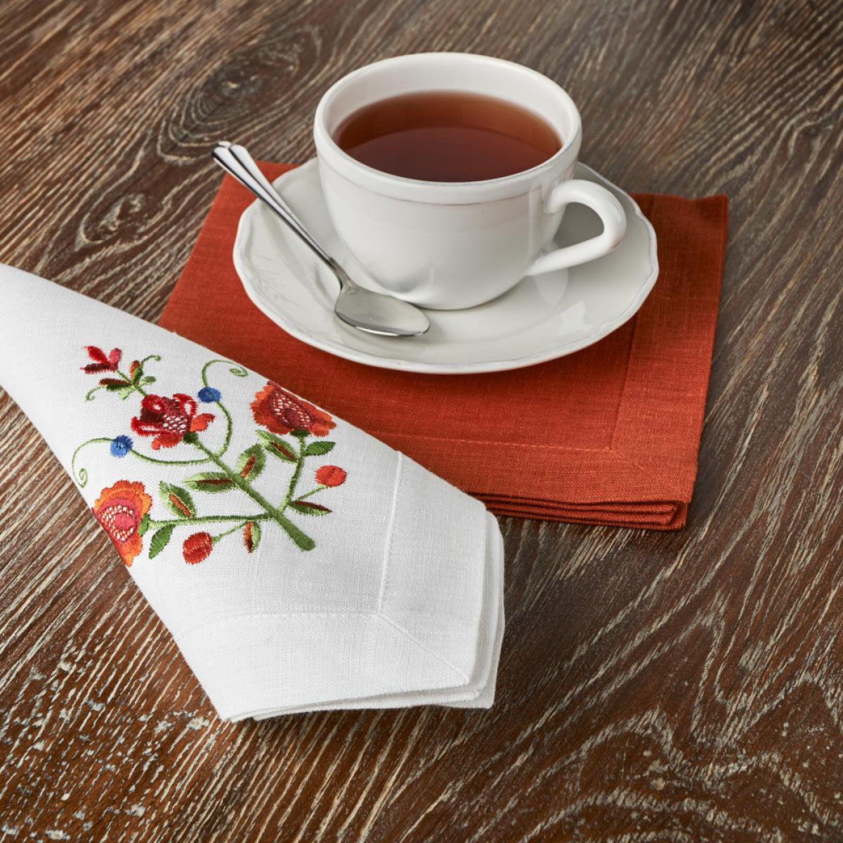 White linen napkin on the table Tree of Life 40 * 40