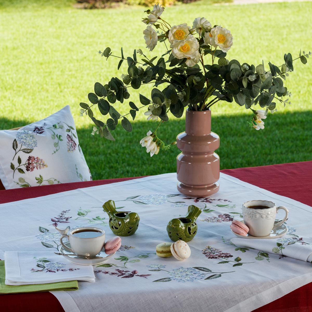 "Linen tablecloth ""Hydrangea"" 90 * 90 cm"