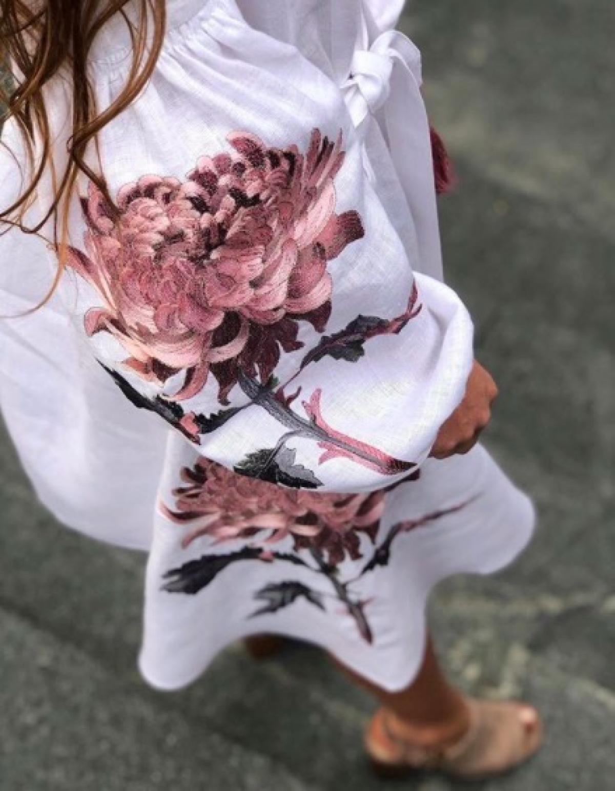 Белое элегантное короткое вышитое платье. Фото №2. | Народный дом Украина