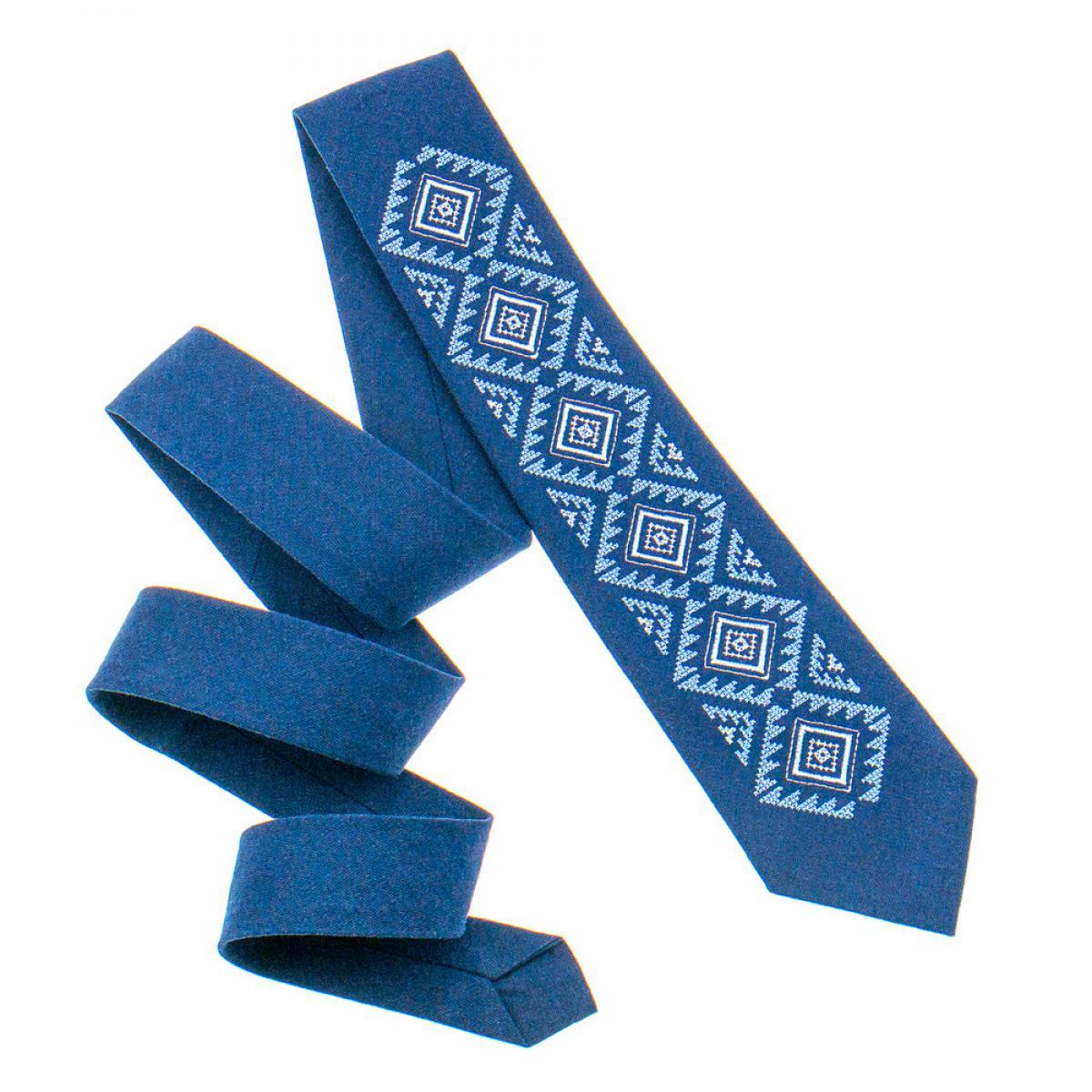 Классический вышитый галстук синий изготовлен из натурального льна. Фото №2. | Народный дом Украина