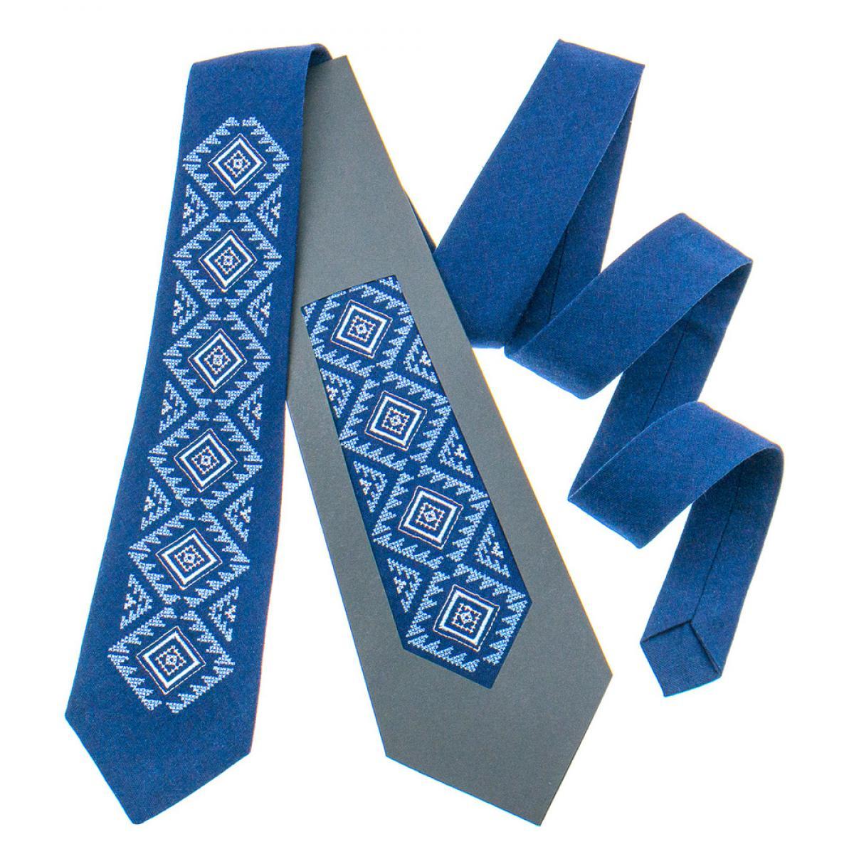 Класична вишита краватка синя виготовлена з натурального льону. Фото №1. | Народний дім Україна