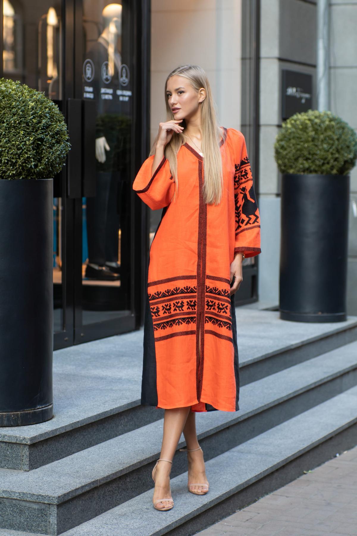 Оранжевое вышитое платье. Фото №3. | Народный дом Украина