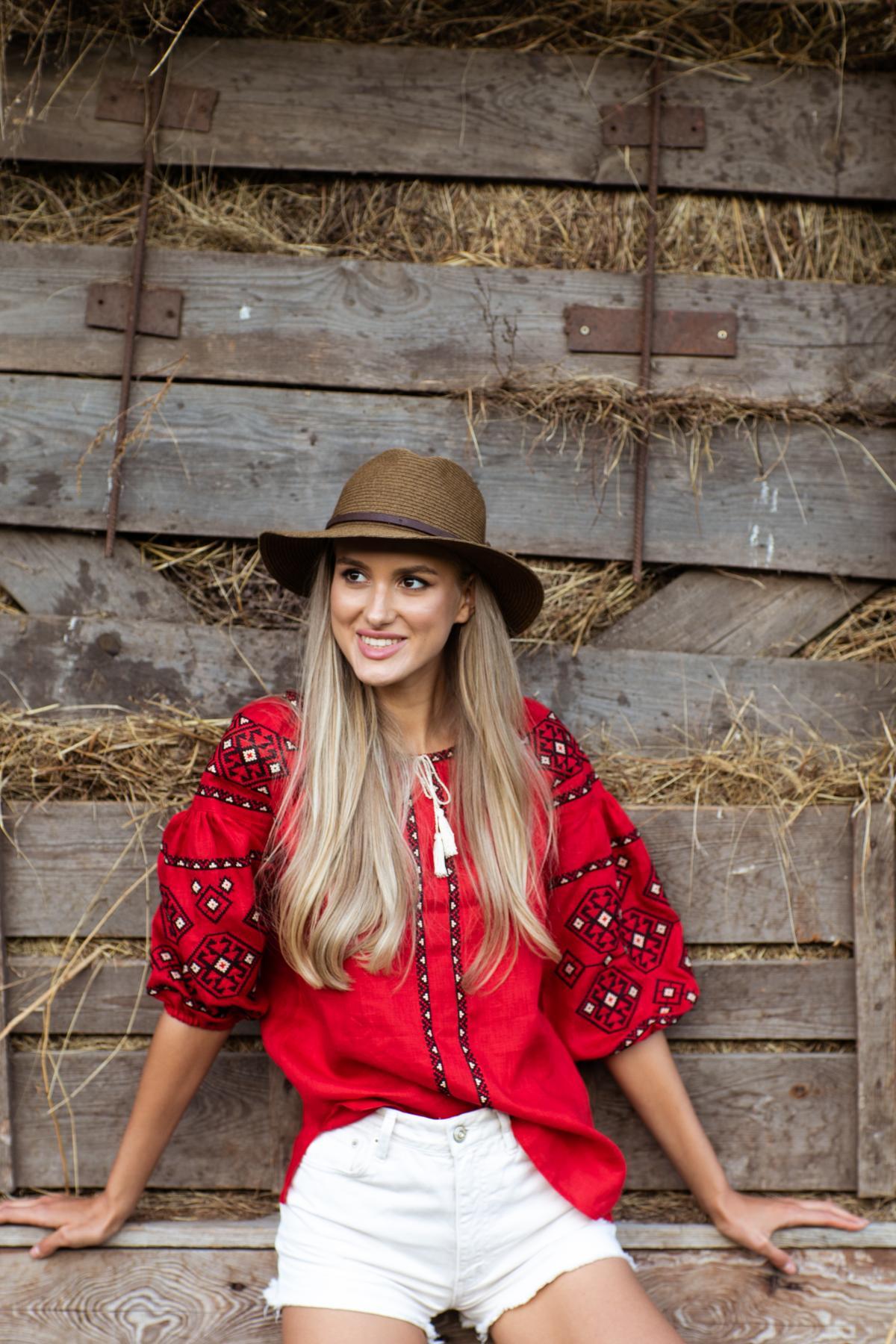 Female red embroidery with sleeve 3/4. Photo №1. | Narodnyi dim Ukraine