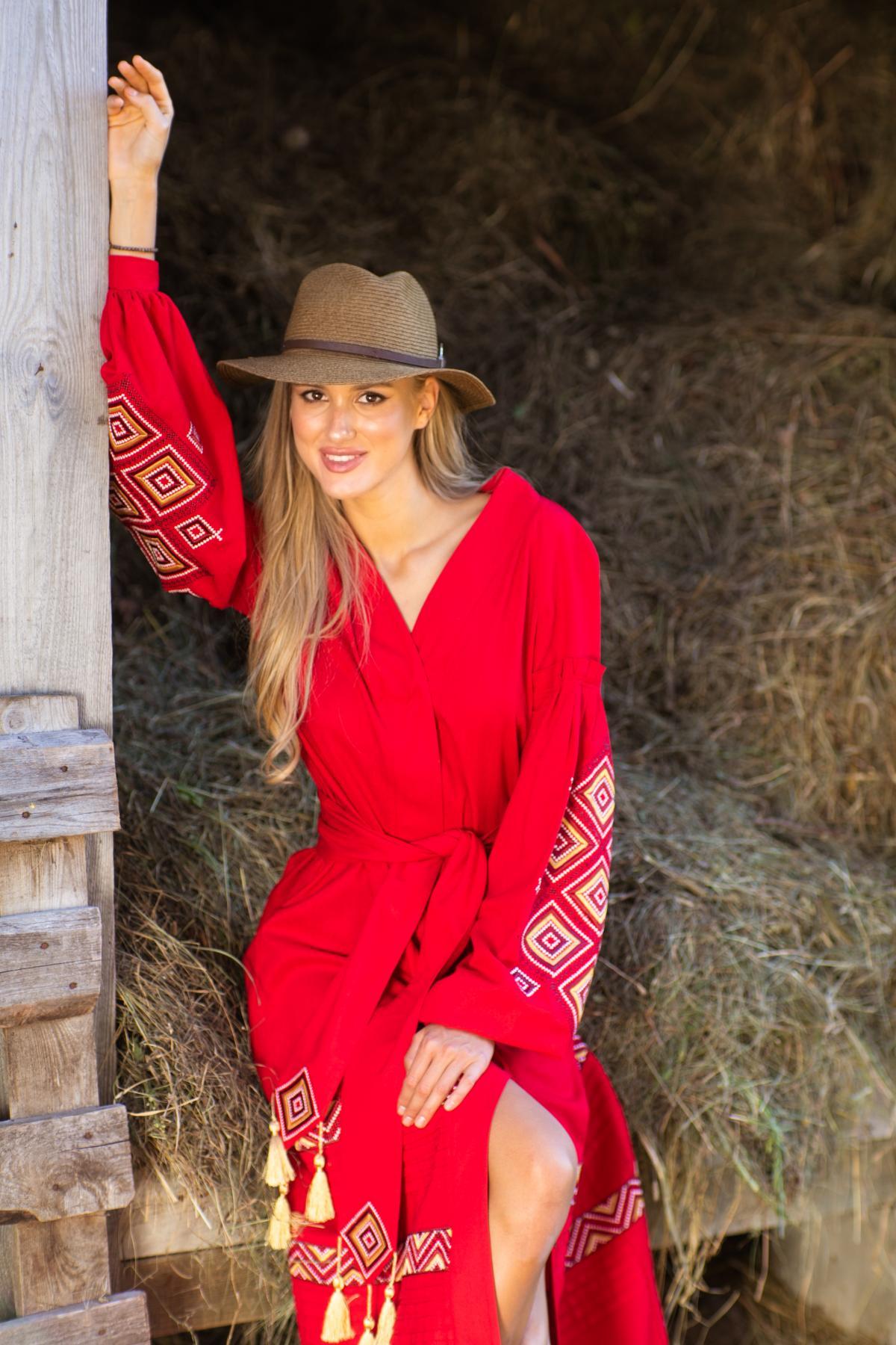 Червона вишита сукня, довга. Фото №3. | Народний дім Україна
