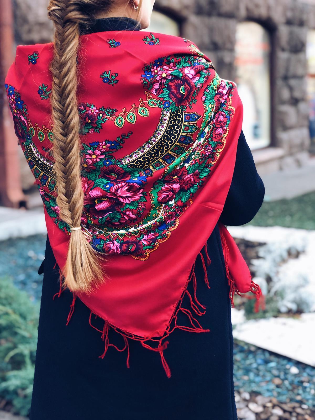 Хустка  українська червона. Фото №2. | Народний дім Україна