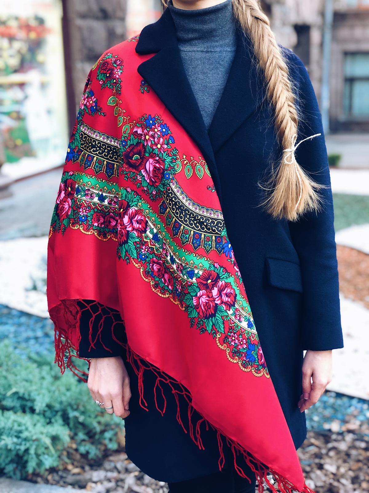 Хустка  українська червона. Фото №1. | Народний дім Україна