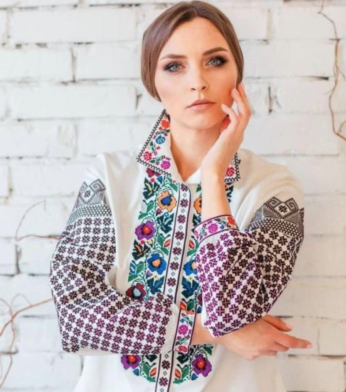 Colorful womens embroidery with geometric ornament. Photo №1. | Narodnyi dim Ukraine