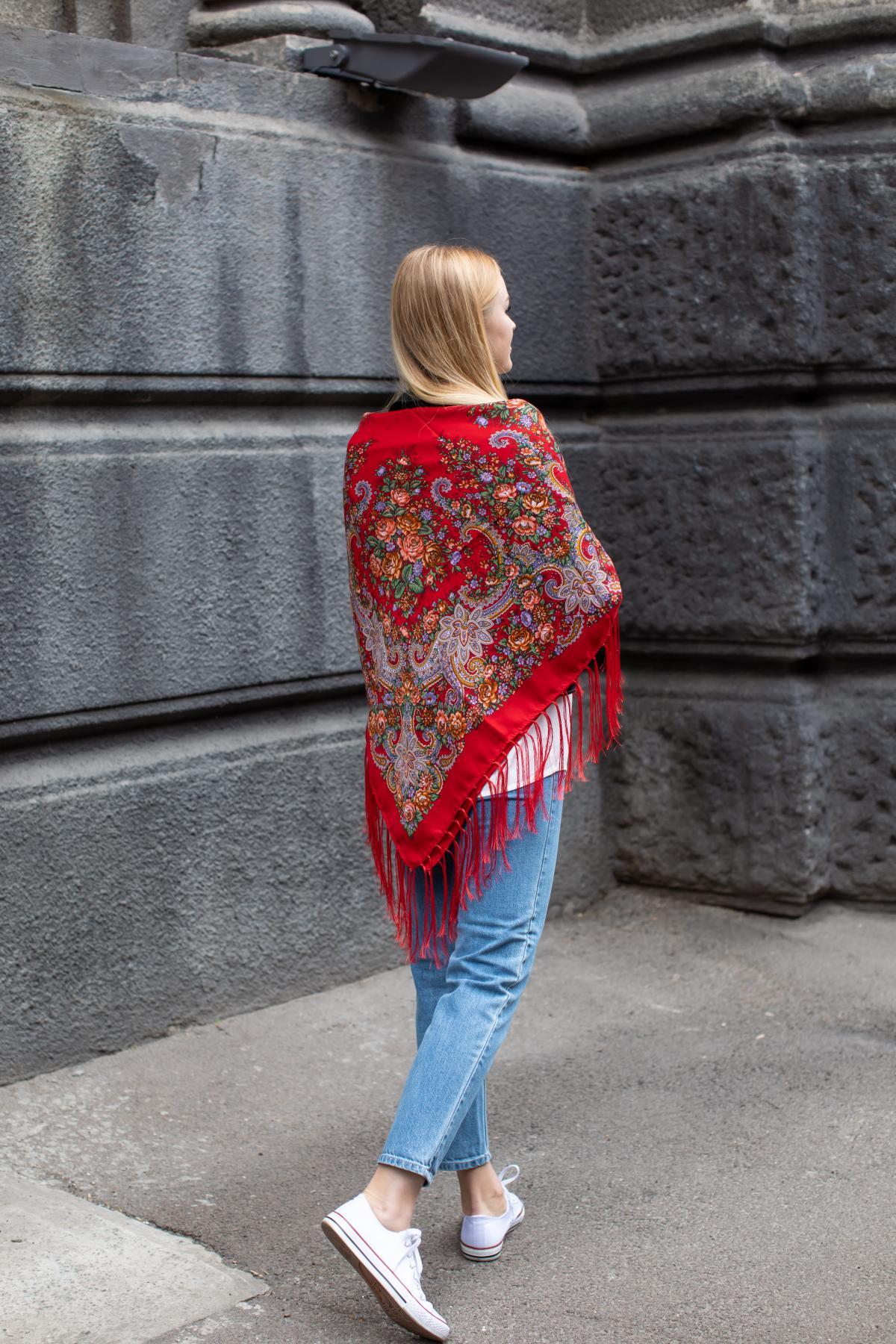 Ukrainian fiery red shawl with flowers. Photo №6. | Narodnyi dim Ukraine
