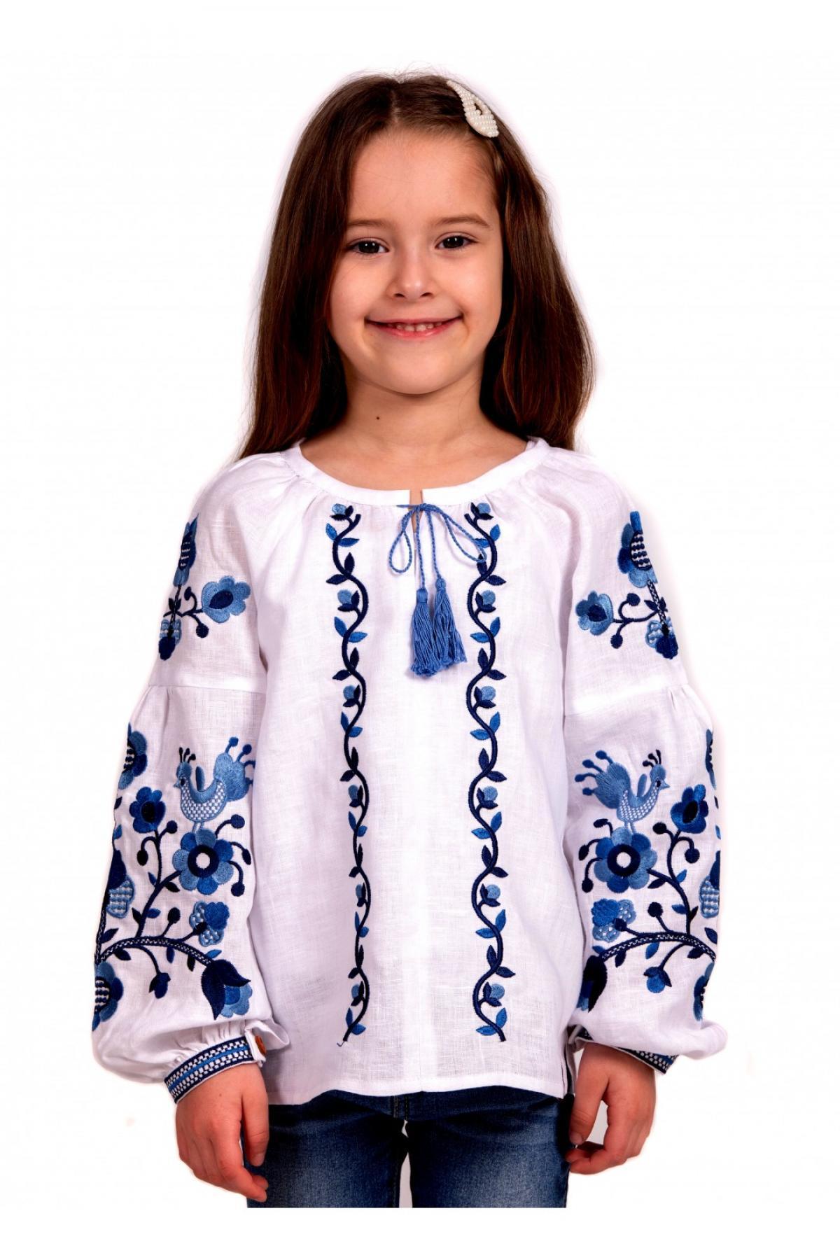 Вишиванка для дівчинки біла з синьою вишивкою. Фото №5. | Народний дім Україна
