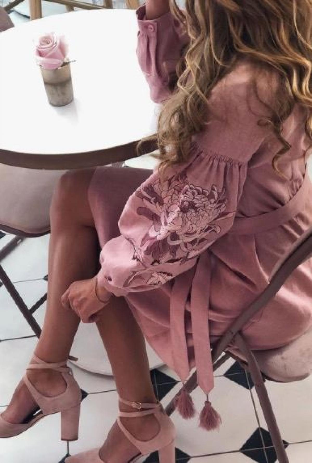 Pink elegant short embroidered dress. Photo №1. | Narodnyi dim Ukraine