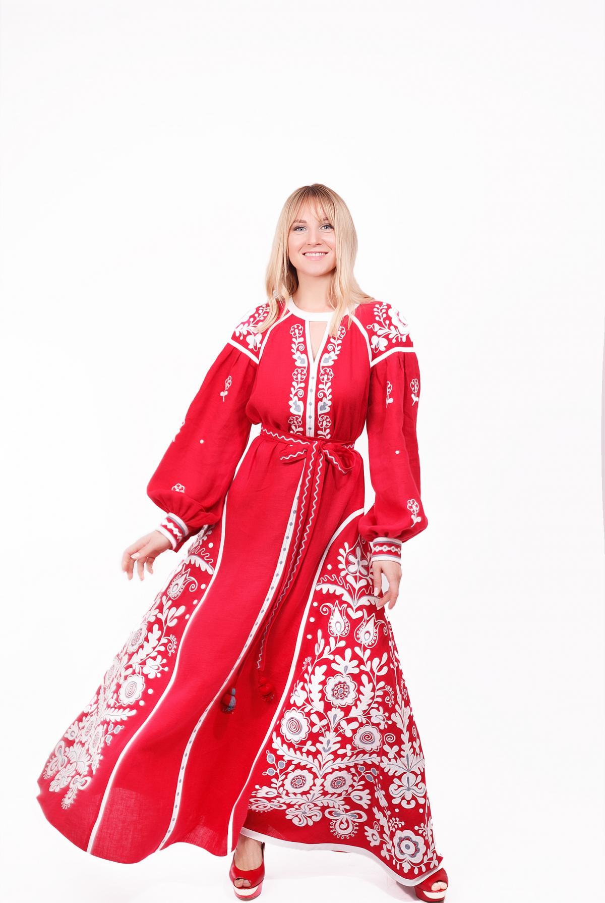 Червона ексклюзивна дизайнерська вишита сукня, довга. Фото №2. | Народний дім Україна